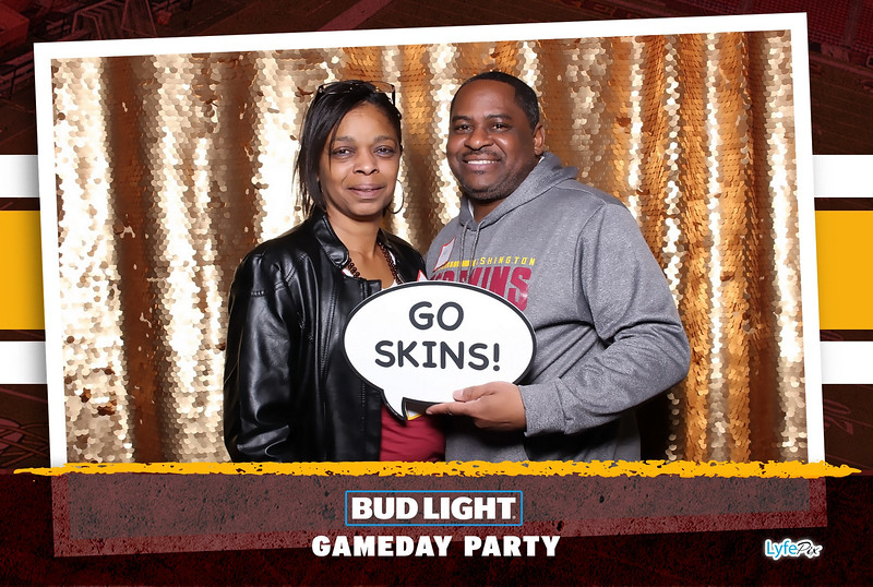 washington-redskins-philadelphia-eagles-football-bud-light-photobooth-20181203-185317.jpg