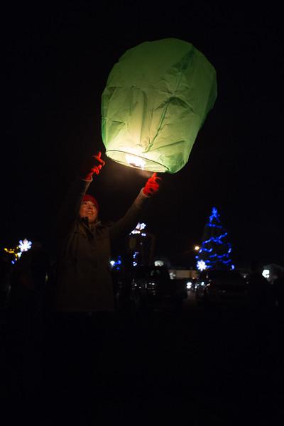 Holly Days Lantern Launch-24.jpg