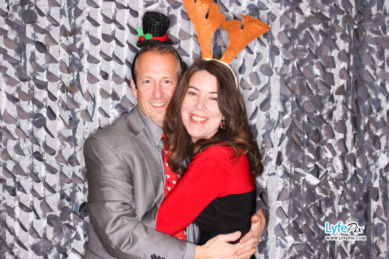 red-hawk-2017-holiday-party-beltsville-maryland-sheraton-photo-booth-0053.jpg