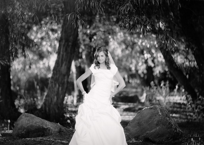 Amy Bridals 076bw.jpg