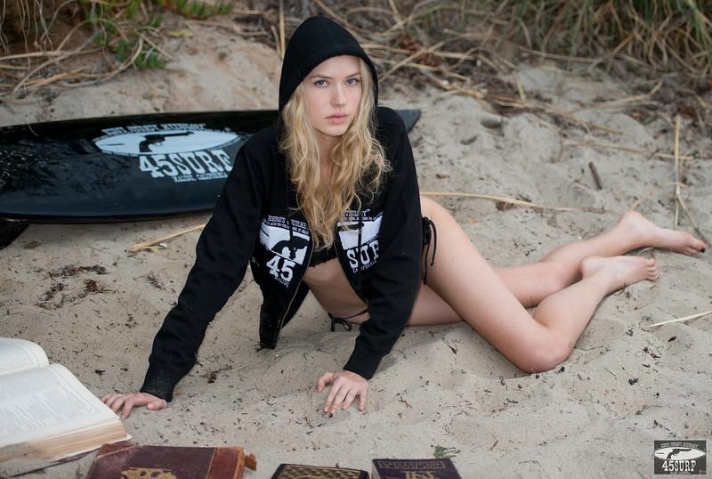 Nikon D800 Photos: Blonde Wavy Hair Swimsuit Bikini Model Goddess!  Pretty Blue Eyes!