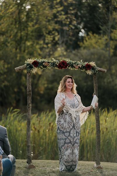 rustic_ohio__fall_barn_wedding-244.jpg