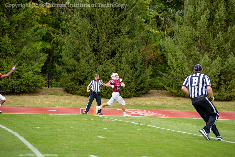 RHIT_Homecoming_2017_FOOTBALL_AND_TENT_CITY-13429.jpg