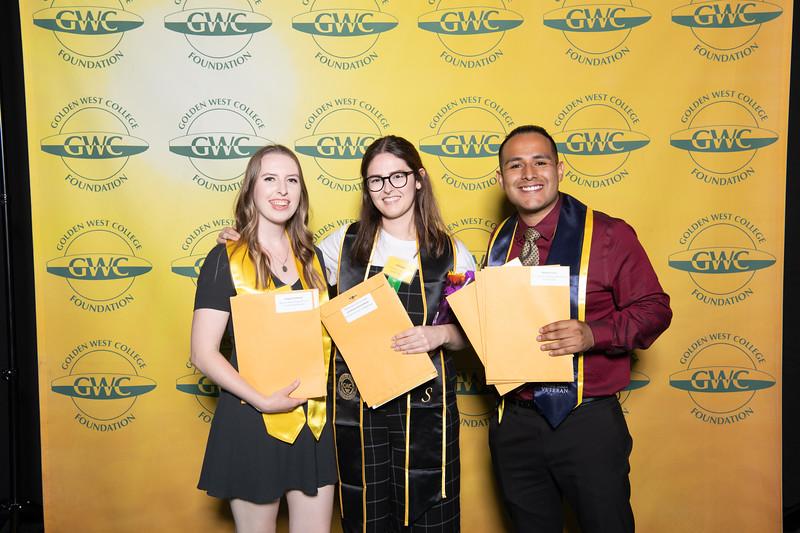 Scholarships-Awards-2019-0713.jpg