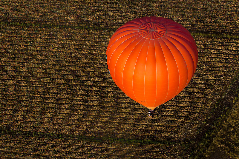 Hot-air-balloon-queensland-australia.jpg