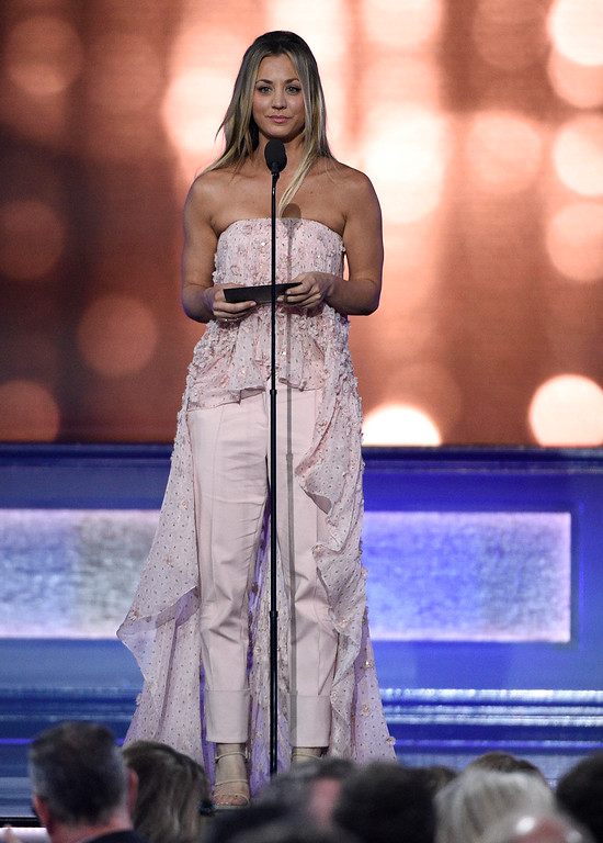 . Kaley Cuoco presents the award for best drama series at the 22nd annual Critics\' Choice Awards at the Barker Hangar on Sunday, Dec. 11, 2016, in Santa Monica, Calif. (Photo by Chris Pizzello/Invision/AP)