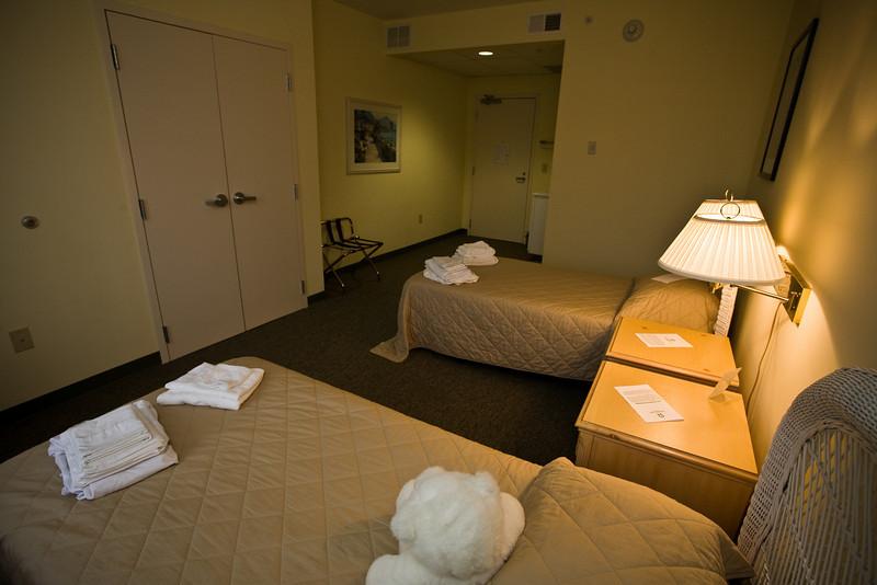 HospitalityHouse_RLoken_039_8738.jpg