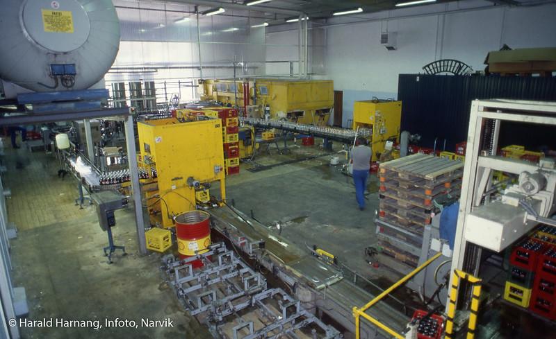 Narvik Mineralvannfabrikk, tappemaskin .