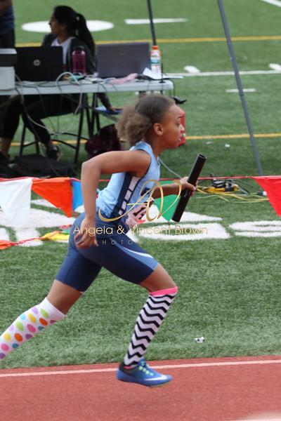 Girls 4x400m