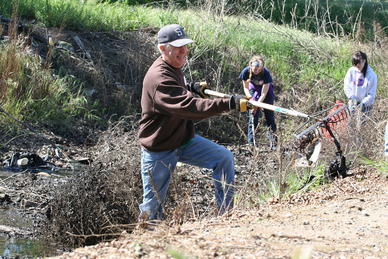 Mill Creek Cleanup.   Photos by Erin Largoza