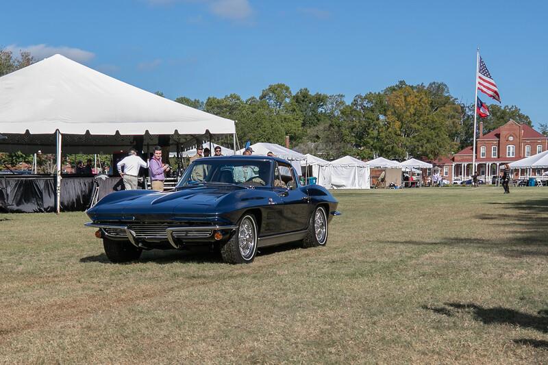 Corvette C2-1963 Cheverolet Corvette-1.jpg