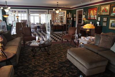 Hippensteal's Mountain View Inn