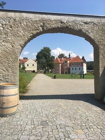 Mitrowicz Chateau