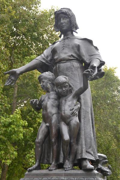 Pioneer-Woman-683x1024.jpg