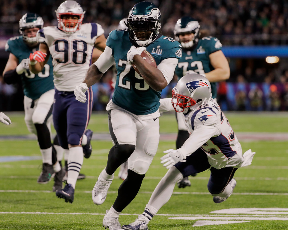 . Philadelphia Eagles running back LeGarrette Blount (29) runs for a touchdown, during the first half of the NFL Super Bowl 52 football game against the New England Patriot, Sunday, Feb. 4, 2018, in Minneapolis. (AP Photo/Chris O\'Meara)