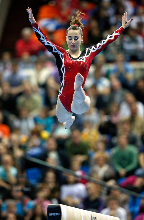 . Italy\'s Carlotta Ferlito competes on the beam during the women\'s apparatus finals at the European Men\'s and Women\'s Artistic Gymnastic individual Championships in Moscow April 21, 2013.  REUTERS/Grigory Dukor