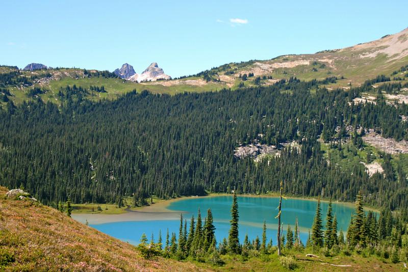 Lower Lyman Lake, such a pretty color.
