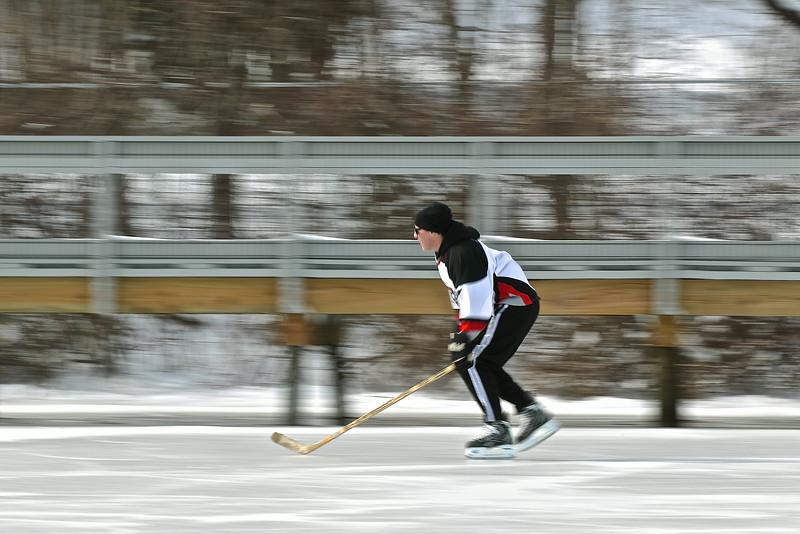 20140208_EMCphotography_PondHockeyCongersLakeNY-52.jpg