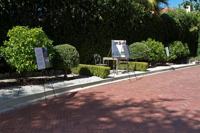 062412_LANLT_GardenParty_006.jpg