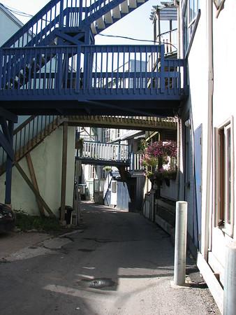 Rue Sous le Cap