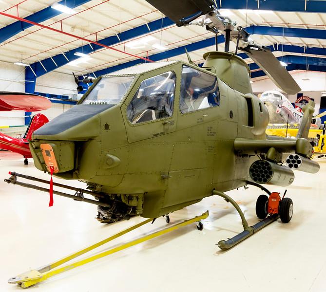 """Bell Helicopter TAH-1P """"Cobra"""" gunship"""