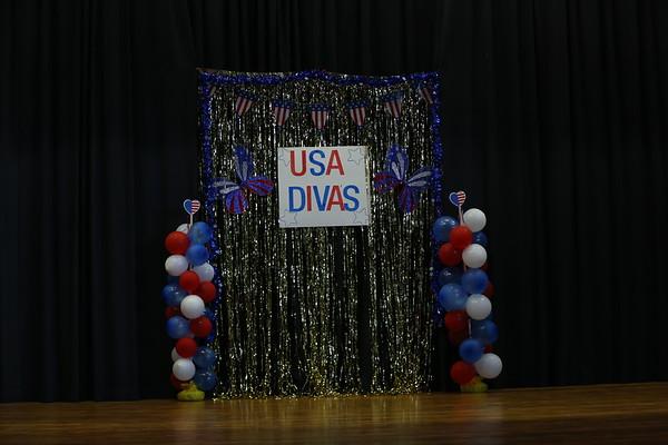Natural USA Sparkling Diva's - Tiffany Parker