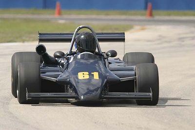 No-0406 Race Group 4 - Formula Cars