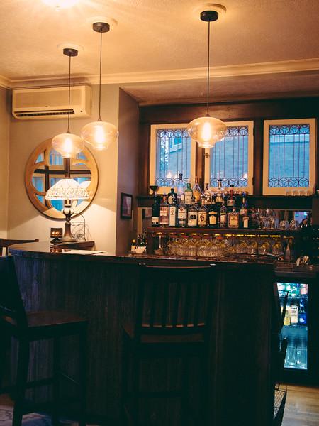 warrington interior bar 2.jpg