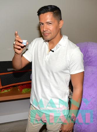 6-7-19 - Jay Hernandez visits Univision Studios