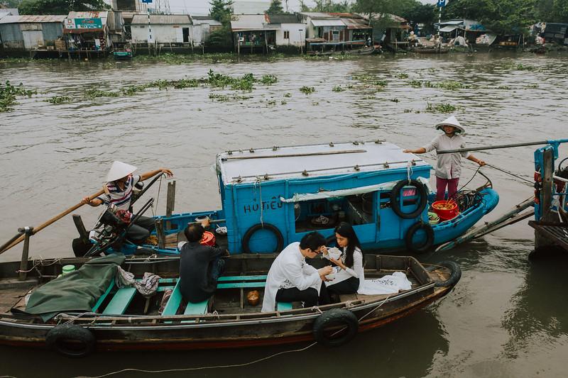 Tu Nguyen Wedding Mekong River Elopement Can Tho  - Southern Vietnam 105.jpg