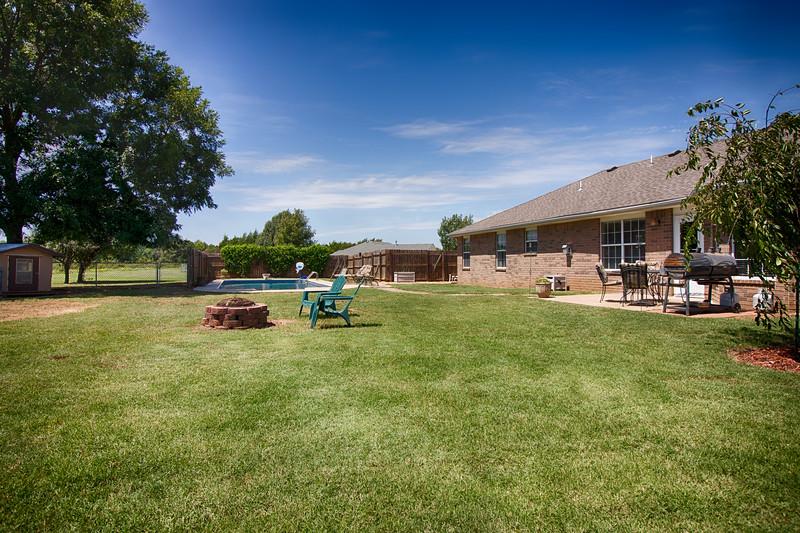 Back House yard-2.jpg