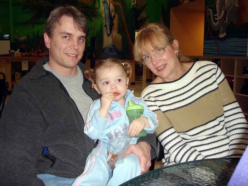 0421.DSC01001.JunglePlayLand-DaddyKimber&Grandmama.jpg