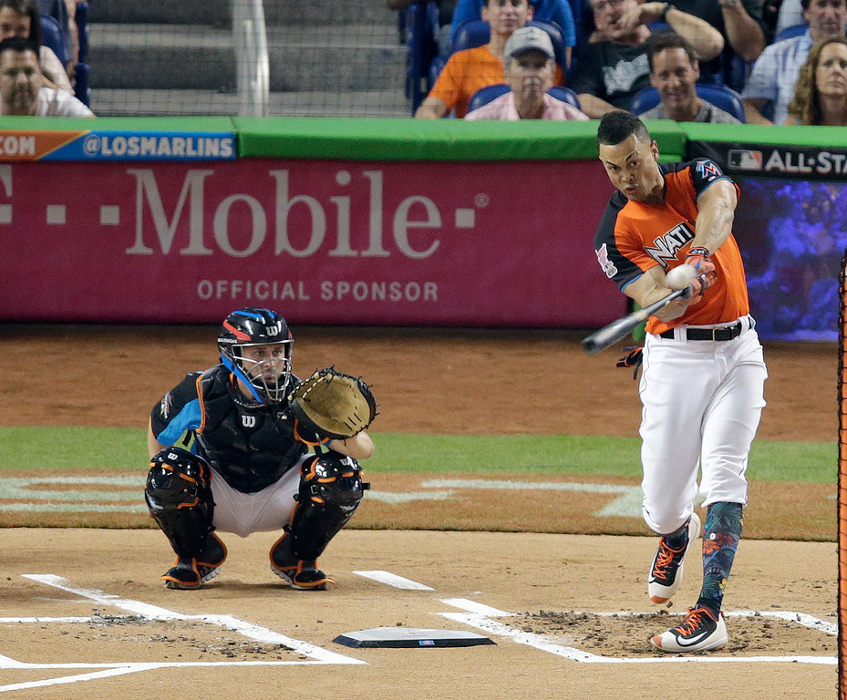 . Miami Marlins\' Giancarlo Stanton competes during the MLB baseball All-Star Home Run Derby, Monday, July 10, 2017, in Miami. (AP Photo/Lynne Sladky)