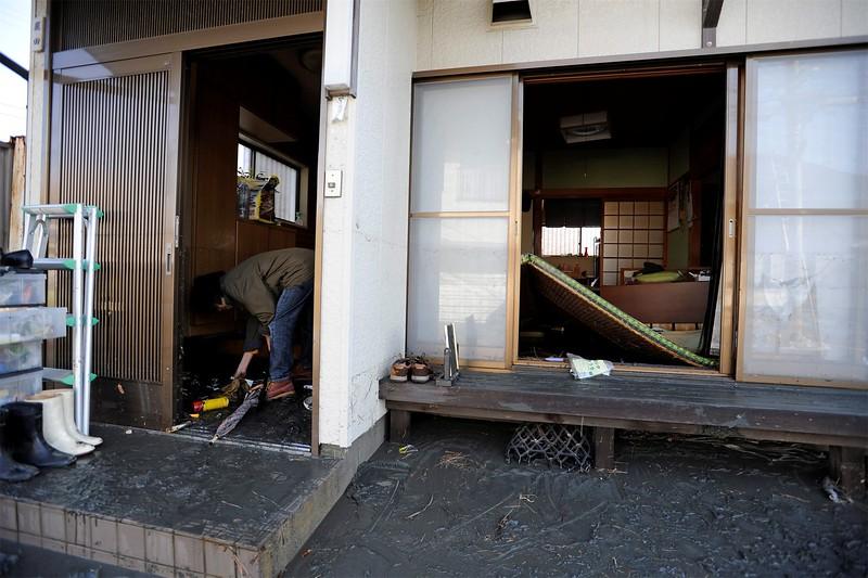 JapanEarthquake2011-59.jpg