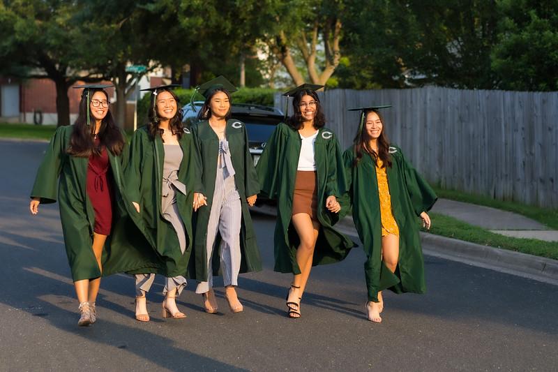 20200521_sarah-friends-connally-graduation_053.jpg