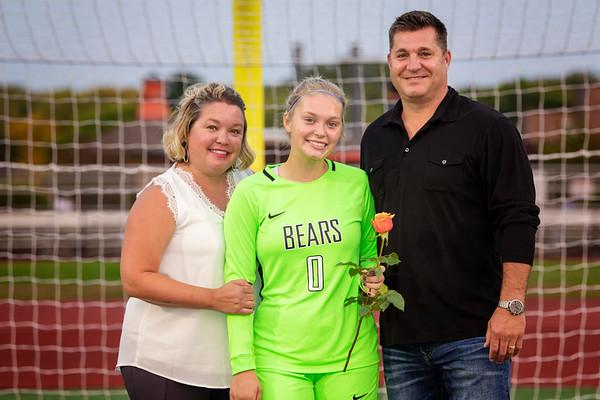 WBL Girls HS Soccer Player/Parent Pictures 2020