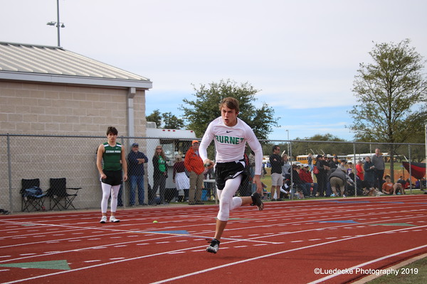 Burnet runners at Dripping Springs