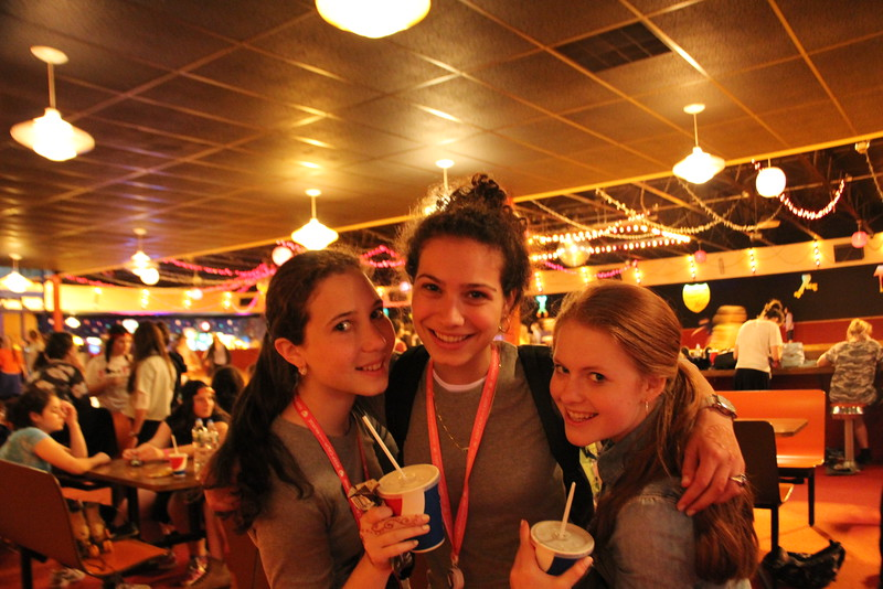 kars4kids_thezone_camp_GirlDivsion_trips_RollerSkating (37).JPG