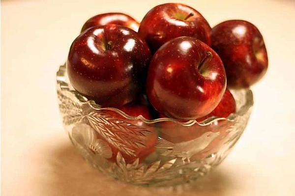 red_apples-web_7_20141019_1195248253.jpg