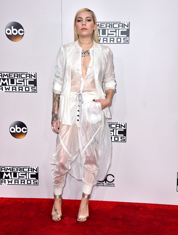 . Skylar Grey arrives at the American Music Awards at the Microsoft Theater on Sunday, Nov. 20, 2016, in Los Angeles. (Photo by Jordan Strauss/Invision/AP)