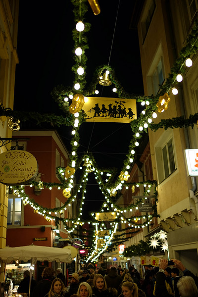Wurzburg_ChristmasMarket-161126-26.jpg