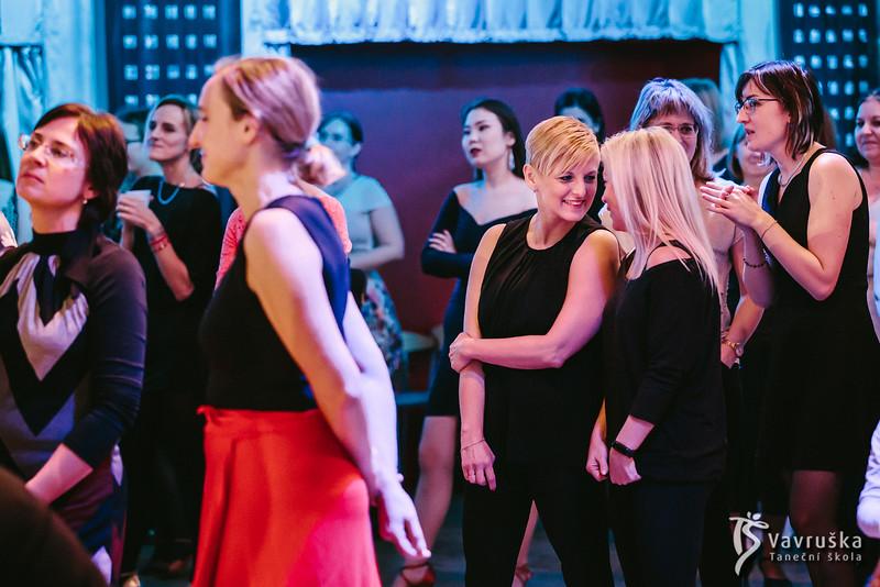 20191210-181046_0088-ladies-night-vavruska-charitas.jpg