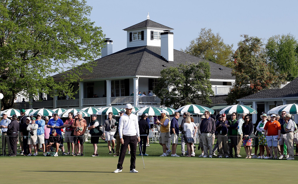 . Martin Kaymer, of Germany, putts on the practice green during a practice round for the Masters golf tournament Wednesday, April 9, 2014, in Augusta, Ga. (AP Photo/David J. Phillip)