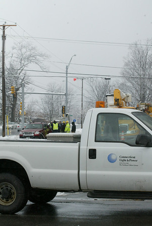"""Connecticut Power and Light """"Lights Up"""" Mammoth Road"""