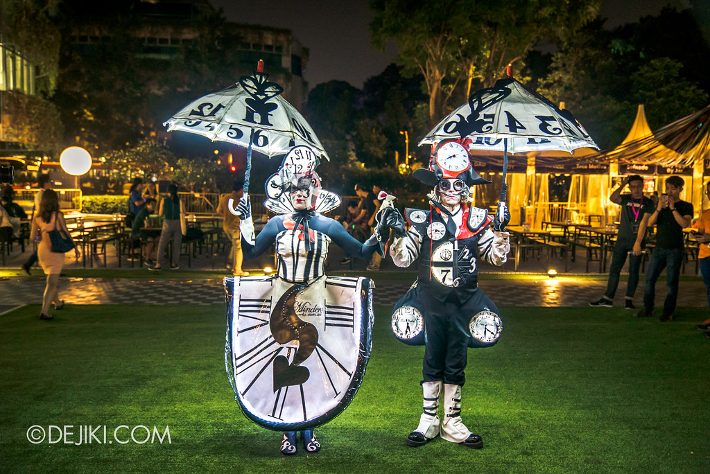 Singapore Night Festival 2017 / The Time Minders by La Galerie Mobile - on the green