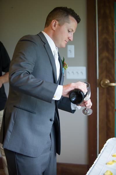 bap_schwarb-wedding_20140906152336_D3S1579
