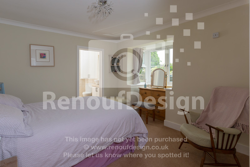 31 - Four Bedroom New Forest Chalet Bungalow with Annexe and Garden Room - For Sale