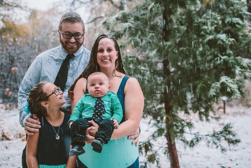 11-27-16 Becky & Douge Family Photo Session Oak Glen in the Snow-9037.jpg