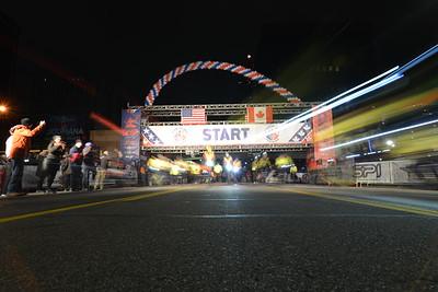 Start Gallery 2 - 2018 Detroit Free Press Marathon