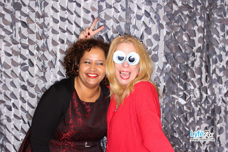red-hawk-2017-holiday-party-beltsville-maryland-sheraton-photo-booth-0033.jpg